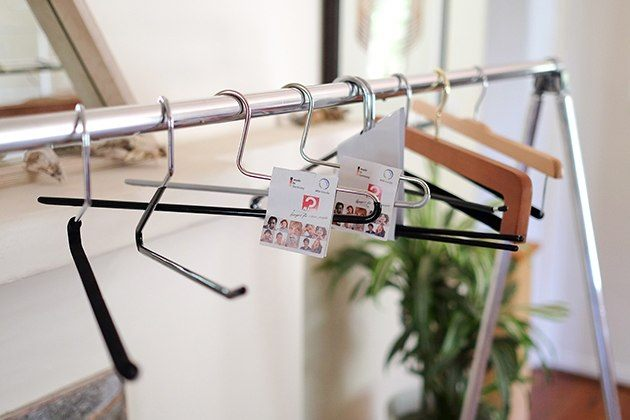 what to do with plastic hangers